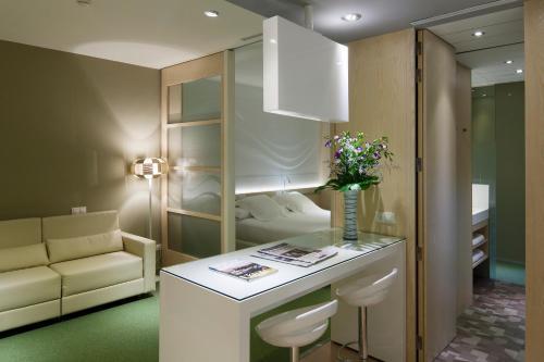 Ako Suites Hotel photo 44