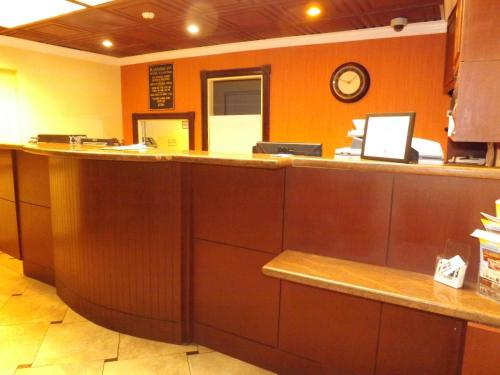 Plantation Inn Hotel And Lounge - Plantation, FL 33317