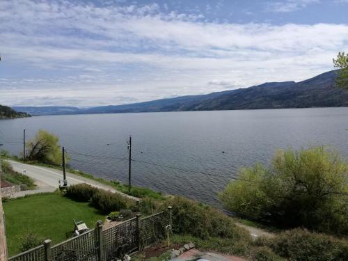 Lakefront Inn - Photo 2 of 47