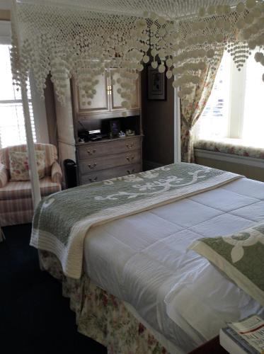 My Rosegarden Guest Rooms - image 5