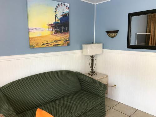 Harbor Mist Family Motel - North Wildwood, NJ 08260