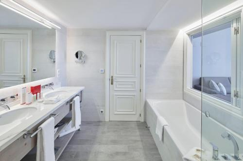Habitación Doble Dúplex con vistas al jardín Hotel Casa Vilella 4* Sup 1