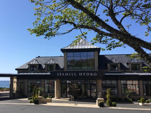 . Seamill Hydro Hotel & Resort