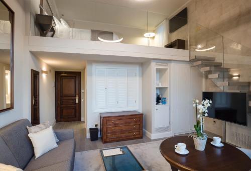 Habitación Doble Dúplex con vistas al jardín Hotel Casa Vilella 4* Sup 7