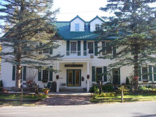 Portage Inn