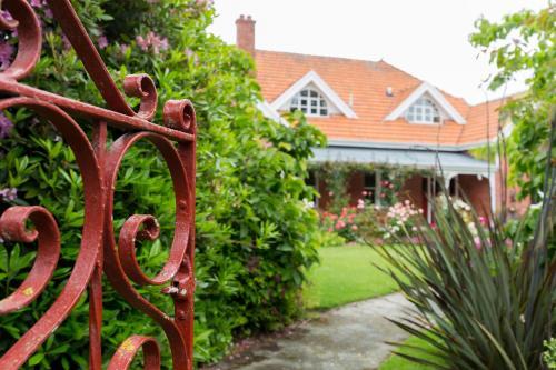 Фото отеля St Itas Guesthouse