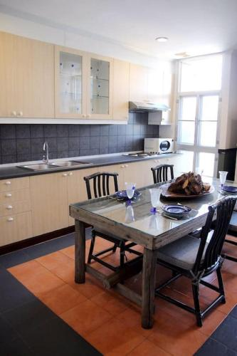 Samsen Suites/ 2 Br Suites for less photo 8