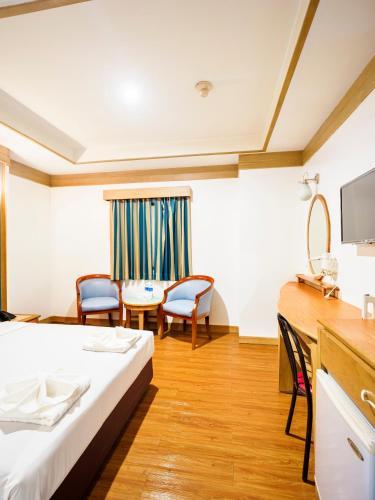 Bavana Hotel photo 40