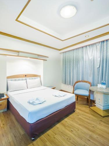 Bavana Hotel photo 41