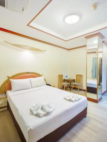 Bavana Hotel photo 42