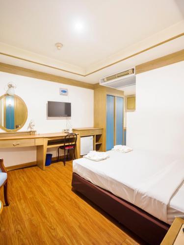 Bavana Hotel photo 43