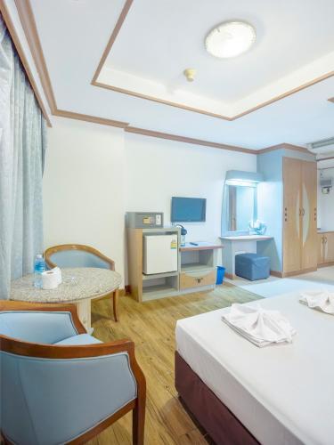 Bavana Hotel photo 55