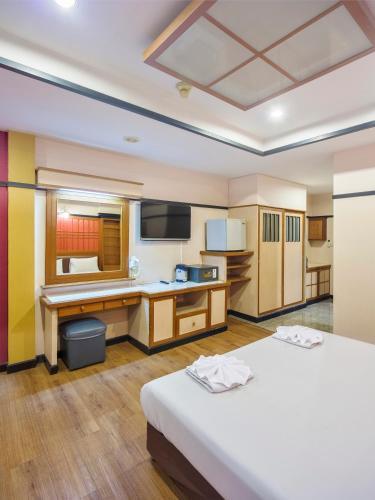 Bavana Hotel photo 57