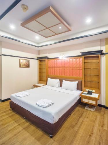 Bavana Hotel photo 58