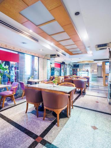 Bavana Hotel photo 65