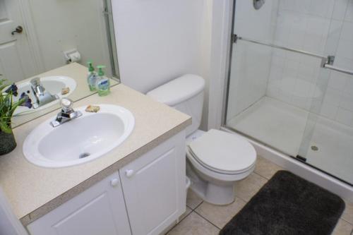Kellie's Windsor Palms Townhouse - Three Bedroom Home - Kissimmee, FL 34747