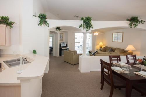 Ray's Eagle Pointe Villa - Four Bedroom Home - Kissimmee, FL 34746
