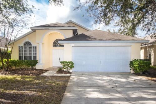 Magical Creekside Villa - Three Bedroom Home - Kissimmee, FL 34747