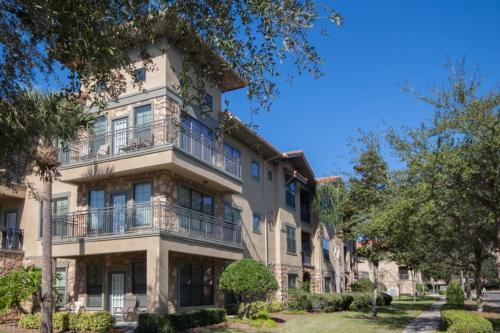 Amanda's Bella Piazza -Three Bedroom Condominium 535