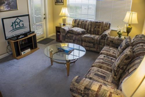 Martha's Windsor Palms - Two Bedroom Condominium 104 - Kissimmee, FL 34747