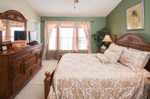 Vicky's Windsor Hills - Three Bedroom Townhome - Kissimmee, FL 34747