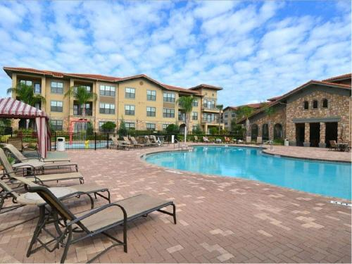 Magical Bella Piazza - Three Bedroom Condominium 526 - Davenport, FL 33897