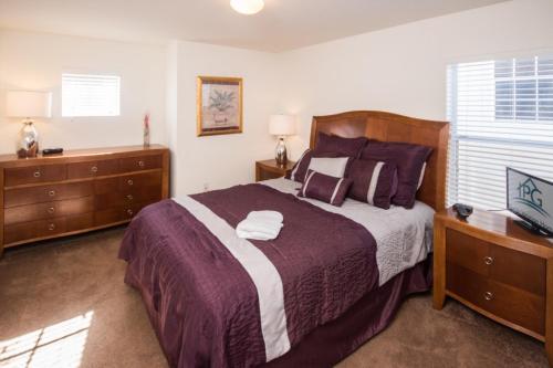 Enchanted Windsor Hills Villa - Five Bedroom Home - Kissimmee, FL 34747