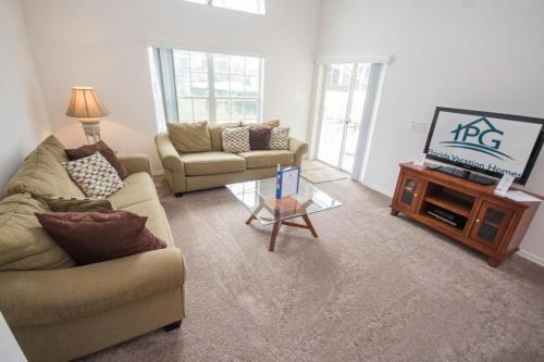 Karen's Rolling Hills Villa - Four Bedroom Home - Kissimmee, FL 34741