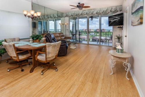 Peaceful Paradise - Two Bedroom Condominium 461 - Fort Myers Beach, FL 33931