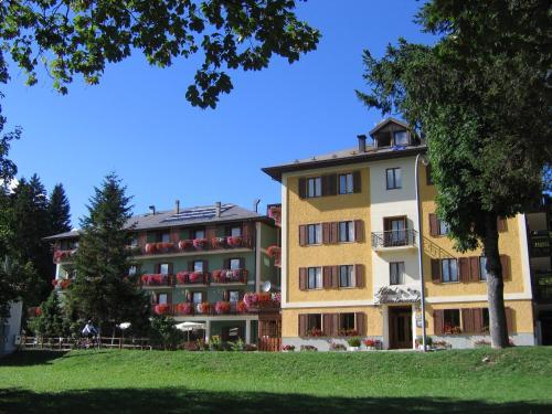 Albergo Monteverde - Hotel - Lavarone