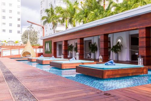 Marseilles Beachfront Hotel - Miami Beach, FL FL 33139