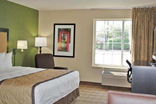 Extended Stay America - Meadowlands - East Rutherford - East Rutherford, NJ 07073