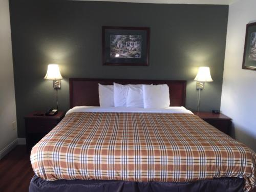 Americas Best Value Inn - Norman/University of Oklahoma - Norman, OK 73069