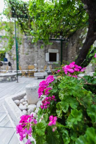 Parikia, Paros 844 00, Greece.