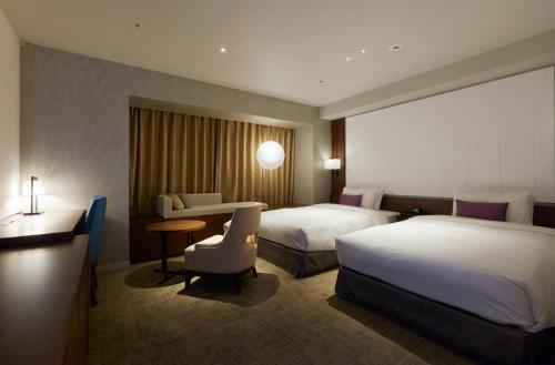 Premier Large Twin Room - Non-Smoking