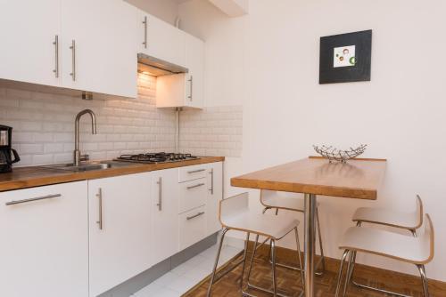 Poncelet apartment photo 18