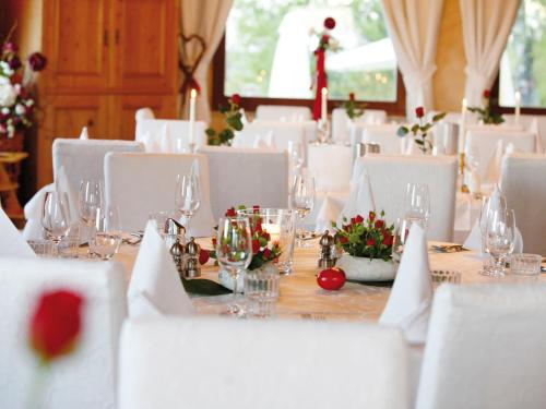 Single lokale in kttmannsdorf: Partnersuche ab 60 aspach