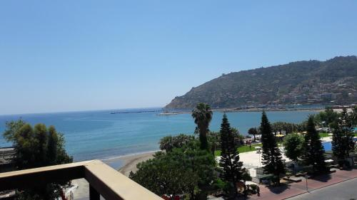 Suite Deluxe con vistas al mar - Anexo (Deluxe Suite with Sea View - Annex)