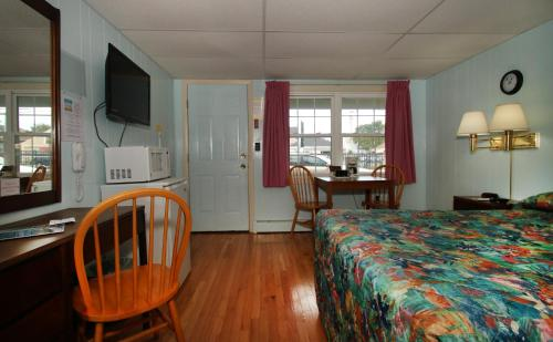Biarritz Motel - Old Orchard Beach, ME 04064