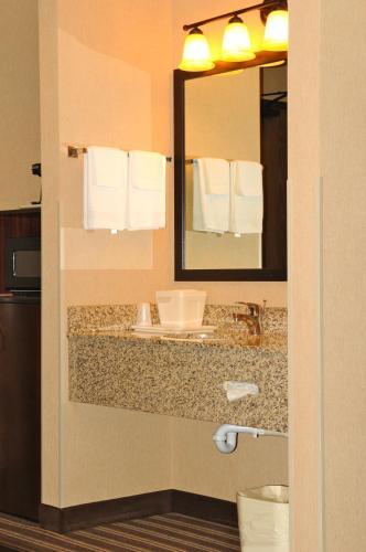 Yellowstone West Gate Hotel - West Yellowstone, MT 59758