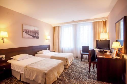 Отель Кайзерхоф Стандартный двухместный номер с 2 отдельными кроватями и видом на город