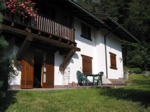 Trilocale Pinzolo 043 nel verde Pinzolo