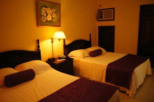 Hotel Paseo Miramontes istabas fotogrāfijas