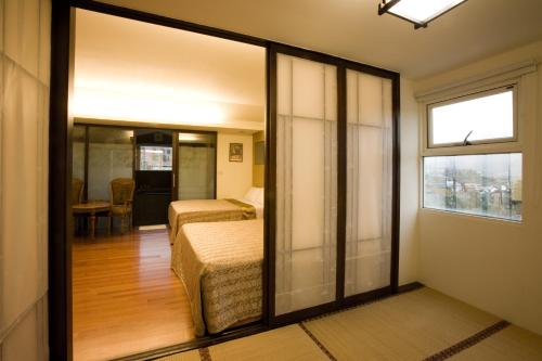 豪華雙臥室公寓 (Deluxe Two-Bedroom Apartment)