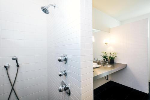 Duchamp Hotel - Downtown Healdsburg - Healdsburg, CA 95448