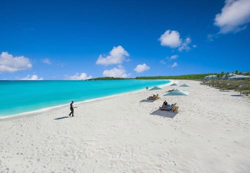 Queens Highway, Great Exuma, The Bahamas.