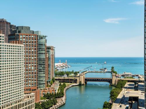 Hyatt Regency Chicago Люкс с 1 спальней и видом на реку