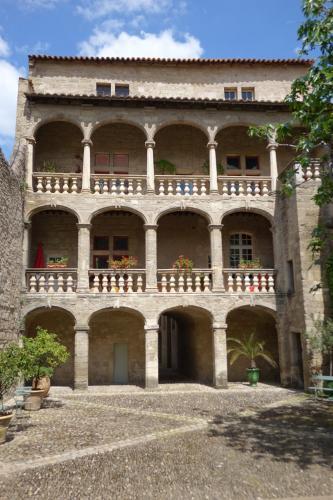 . Hotel D´ Alfonce