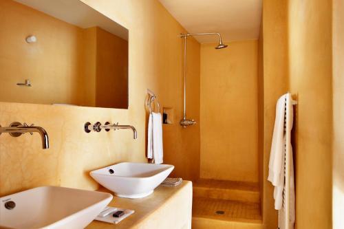 Double Room Peñarroya Hotel Mas de la Serra 6