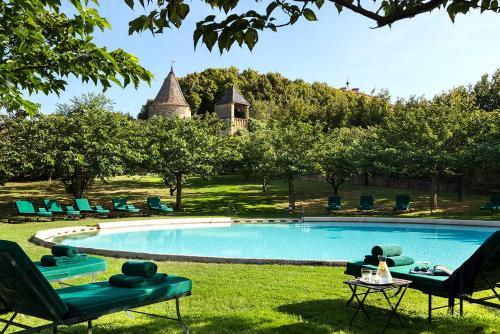 . Château de Bagnols